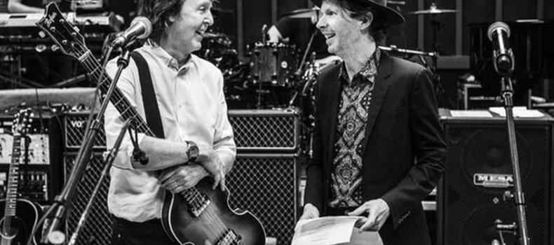Paul McCartney lança versão de 'Find My Way' com Beck