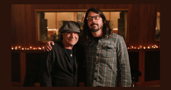 "Brian Johnson canta ""Back in Black"" ao lado do Foo Fighters"